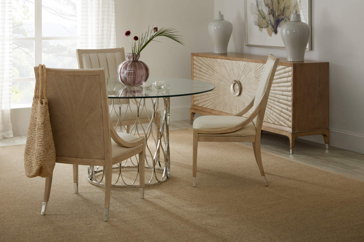 Hooker Furniture Novella Collection Pillar Point Round Dining Table